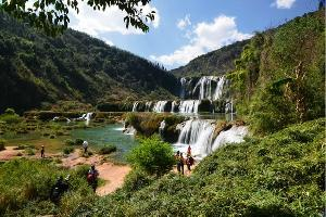 罗平旅游:九龙瀑布群